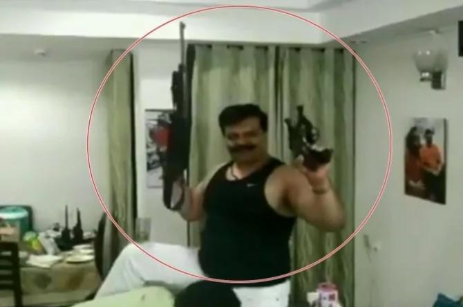 भाजपा विधायक ने नशे में धुत होकर लहराए हथियार, दी उत्तराखंड को गाली