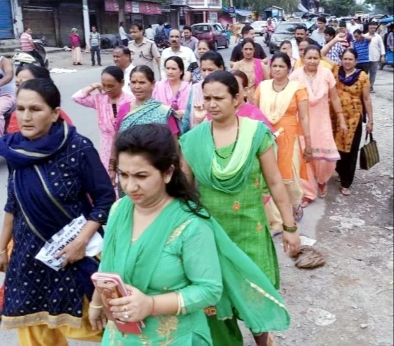 शीशमबाड़ा प्लांट को हटाने की मांग को लेकर मुख्यमंत्री को भेजा ज्ञापन