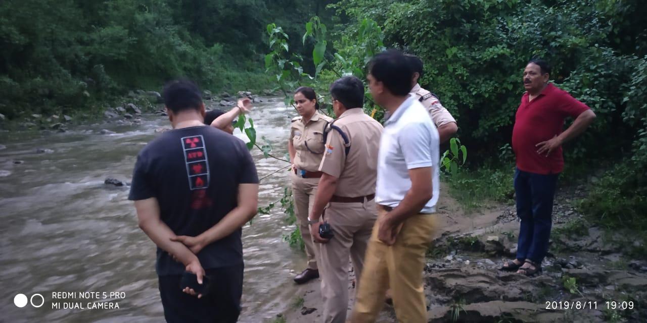 नदी में बहे पैट्रोलियम यूनिवर्सिटी के दो छात्र, बरामद हुए शव