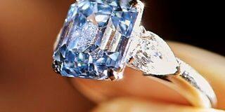 इस अंगूठी की कीमत है 100 करोड़ रुपए, पढ़ें पूरी खबर