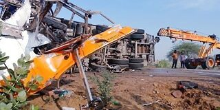 राजस्थान में बस और ट्रक की भिड़ंत, 10 यात्रियों ने तोड़ा दम