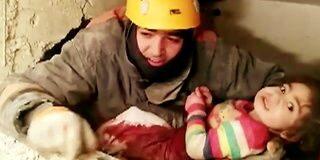 तुर्की में भूकंप के 28 घंटे बाद ज़िंदा मिली मलबे में दबी मां बेटी