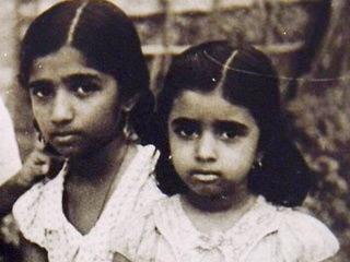 अमिताभ बच्चन ने शेयर की बॉलीवुड की दो महान हस्तियों की बचपन की तस्वीरें, पहचानिए कौन हैं ये दो चेहरे