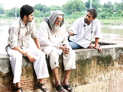 फ़िल्म 'गुलाबो सिताबो' की शूटिंग के दौरान अमिताभ बच्चन एवँ आयुष्मान खुराना