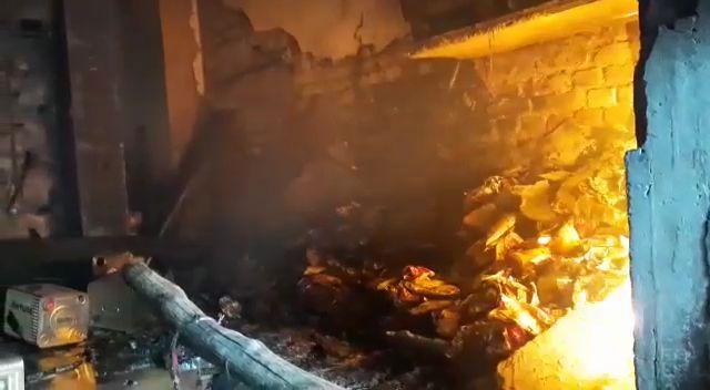 देहरादून की ऑयल फैक्ट्री में लगी भीषण आग, कीमती सामान जलकर हुआ ख़ाक