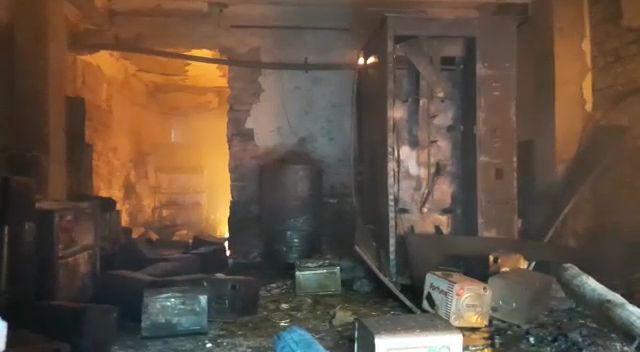 आग में जलकर नष्ट हुआ कीमती सामान