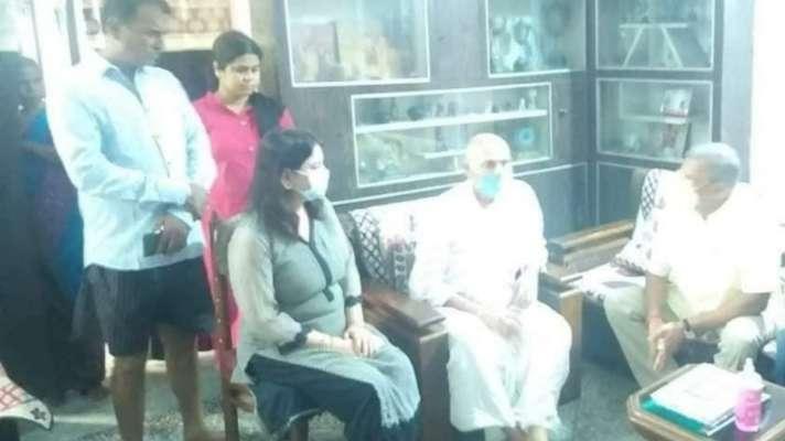 अभिनेता नाना पाटेकर ने सुशांत सिंह राजपूत के परिजनों से मिलकर व्यक्त की संवेदना