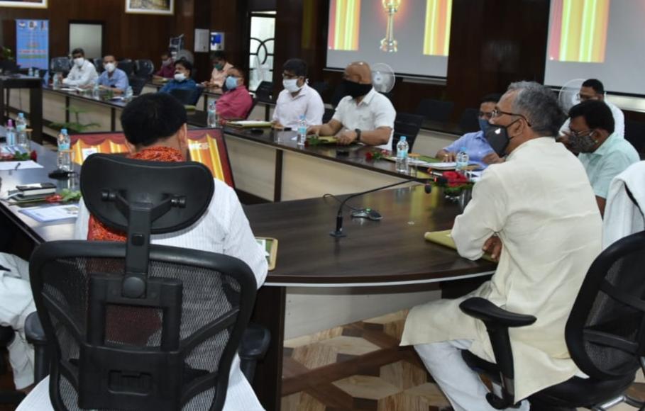मुख्यमंत्री त्रिवेंद्र ने राज्य के शासकीय विश्वविद्यालयों एवं महाविद्यालयों के पुस्तकालयों में ''ई-ग्रंथालय'' का किया शुभारम्भ