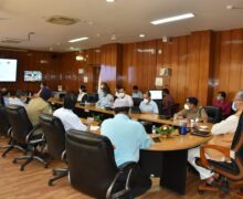 मुख्यमंत्री त्रिवेंद्र ने कहा- कोविड से बचाव के लिए फिजिकल डिस्टेंसिंग एवं मास्क के उपयोग पर दिया जाय विशेष ध्यान