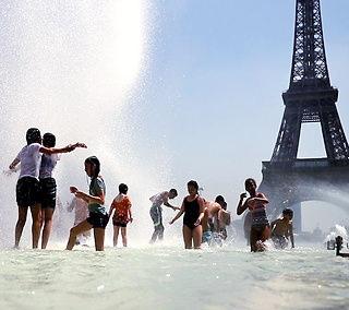 गर्मी की चपेट में यूरोप, फ्रांस में पहली बार पारा 45 डिग्री पार