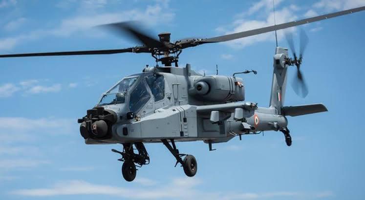 वायुसेना में शामिल हुए अत्याधुनिक अपाचे हेलिकॉप्टर